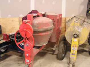 6 Cubic Cement Mixer (Gas)